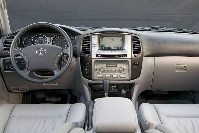 2007 Toyota Land Cruiser Interior