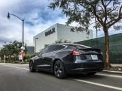 V Kaliforniji je Tesla (v katerikoli izvedbi) izjemno priljubljeno vozilo - na cestah jih lahko vidite domala povsod..