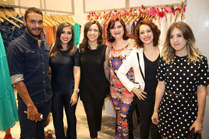 Paulo Fernando, Vanessa Vasconcelos, Clarice Dewes, Lillian Lemos, Gisele Fernandes e Aline Sanromã