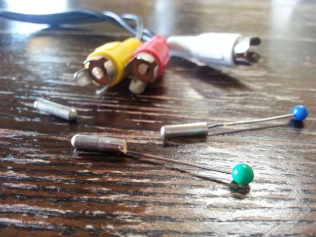 Izvlačenje oštećenih činč konektora pomoću igle