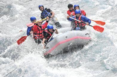 EVG au Pays basque rafting arteka