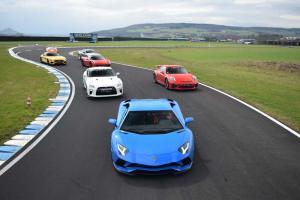 stage de pilotage automobile véhicules de course luxe bretagne ille et vilaine rennes top activité insolite