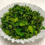 Organic-Moringa-Dried-Leabes-with-small-stems