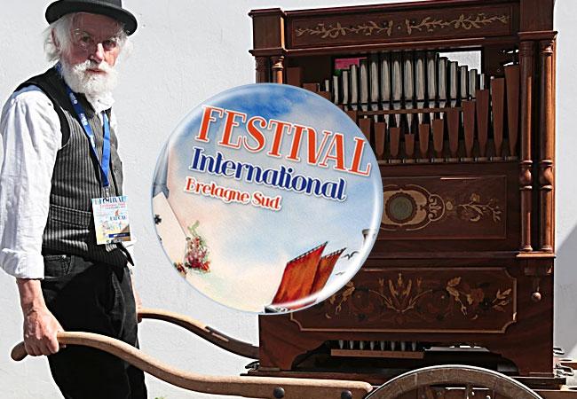 Faire un badge pour un festival de musique et arts
