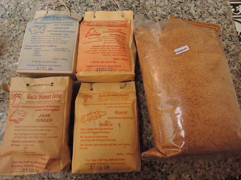 gula semut は蟻の入り込んだ砂糖ではありません。