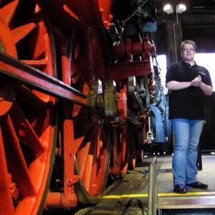 Die Lokomotiven können von allen Seiten begutachtet werden.