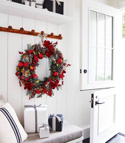 5 Ways To Hang Wreaths And Garlands Without Drills Or