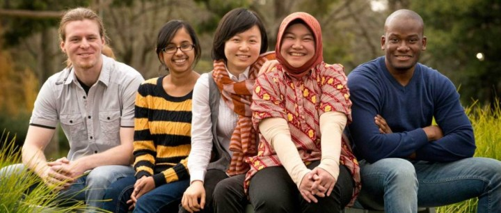 5 multicultural friends, travelling makes you a better person