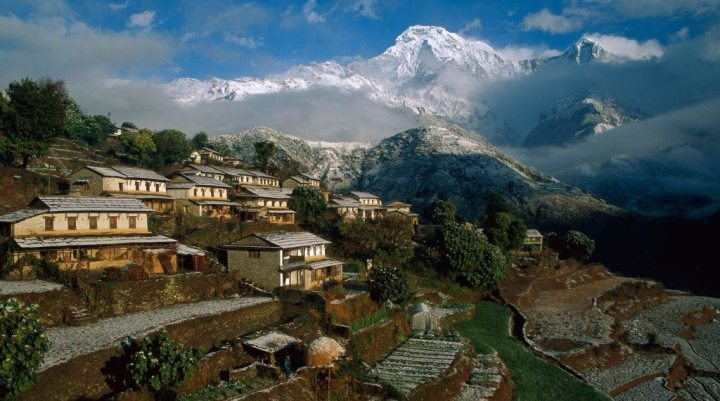 Village into the mountains, Ghandrung