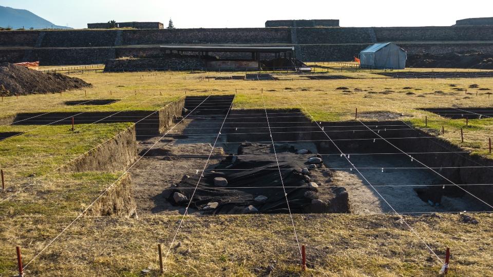 Excavation in la Ciudadela, Teotihuacan