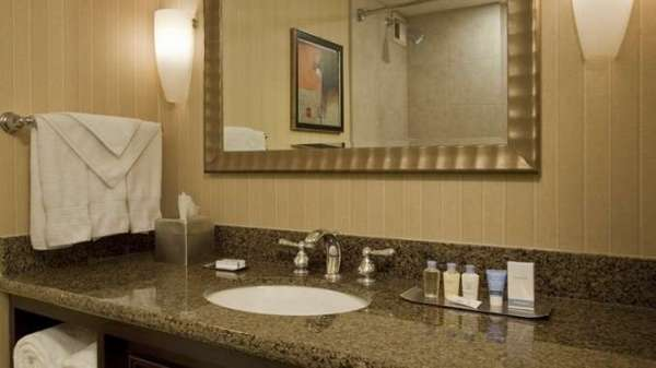 hotel_bathroom