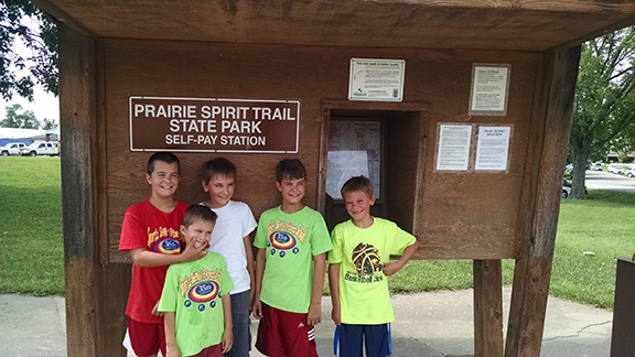 bcbsks healthy trails adventure day at kansas state park