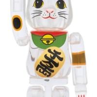 招き猫 透明 100% ベアブリック (BE@RBRICK) [発売]