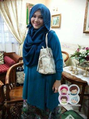 raya-aidilfitri-2013 - posing mak buyung dengan handbag baru