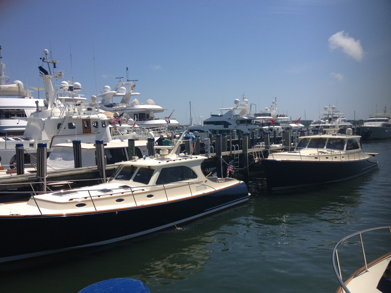 Hinckley Motor Yachts