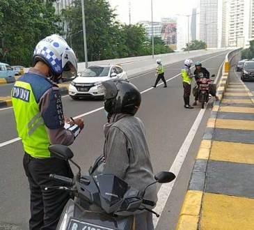 besaran denda tilang terbaru dari helm hingga sim
