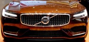 Revisão Volvo em Florianópolis conforme manual do proprietário do veículo.