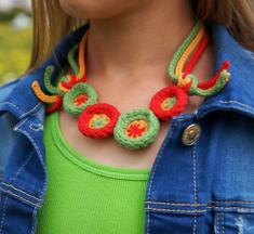 Whimsical Wheels Necklace crocheted in Weekend DK