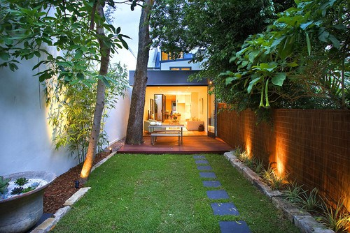 What is reflectance and how it affects your garden lighting