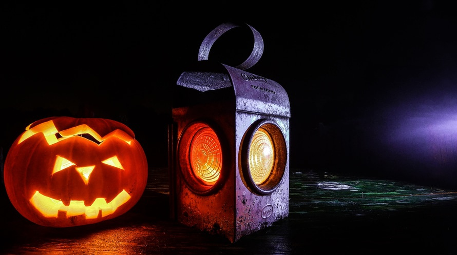 4 Tips for Spooky Halloween Lighting