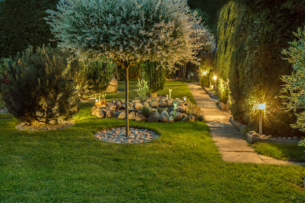 Outdoor Lighting Choices to Reduce Your Electricity Bills