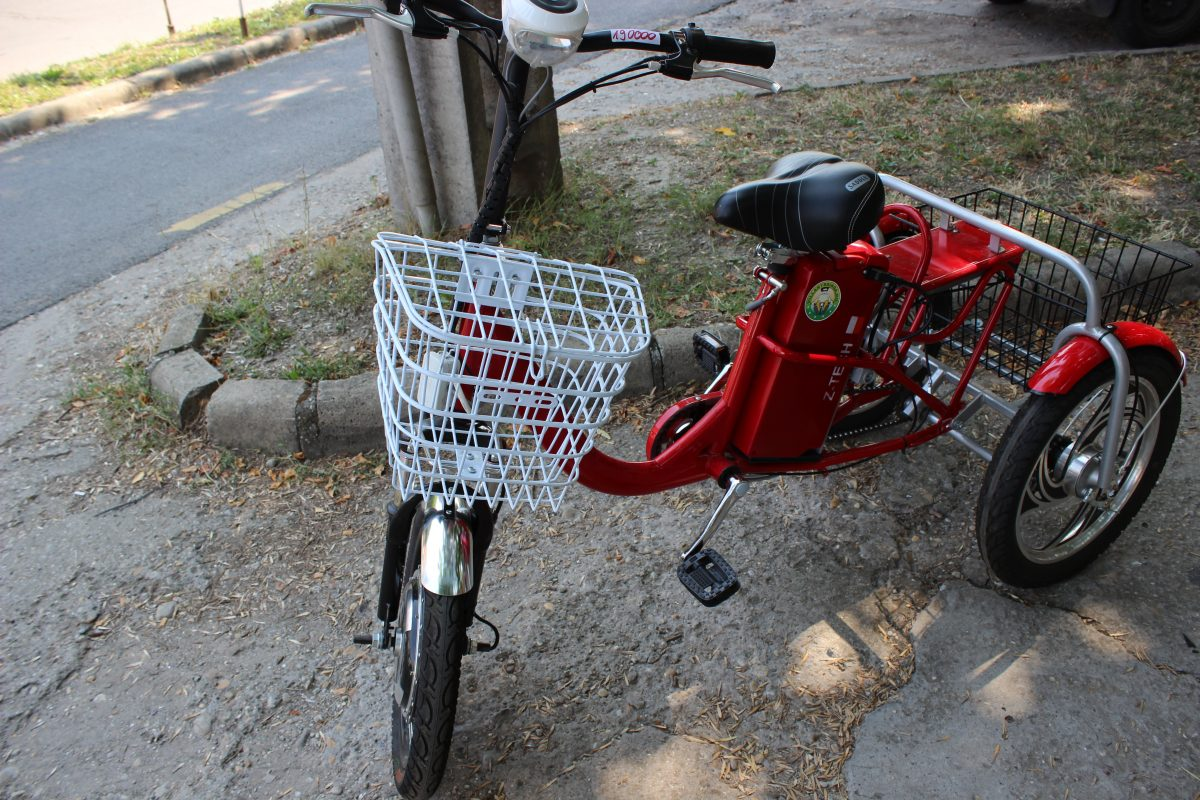 Transormare din bicicletă în tricicletă electrică