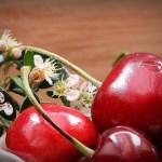 Della ciliegia non si butta niente! Scopriamo le proprietà e gli usi di questo gustoso frutto primaverile