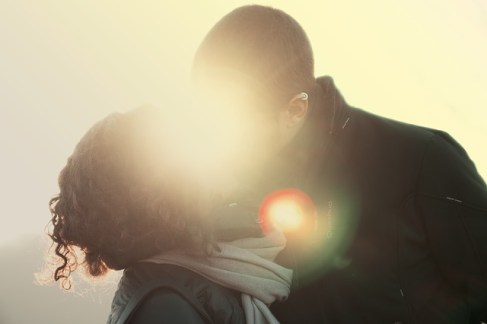 bacio uomo donna