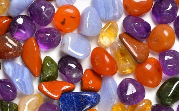 Lampada Cristallo Di Rocca Proprietà : Cristalloterapia o cristallologia per bambini quali sono le