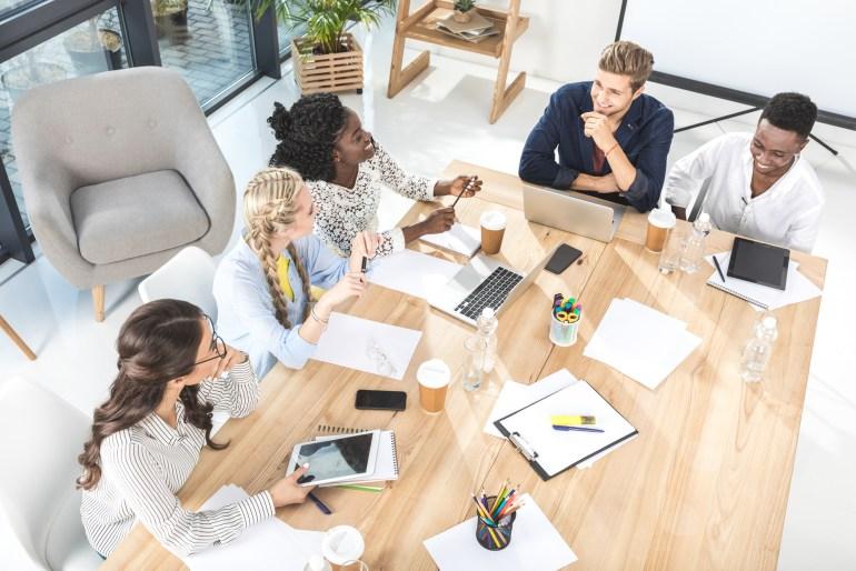 Equipe durante reunião