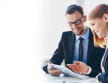 Assessor da XP Investimentos com cliente