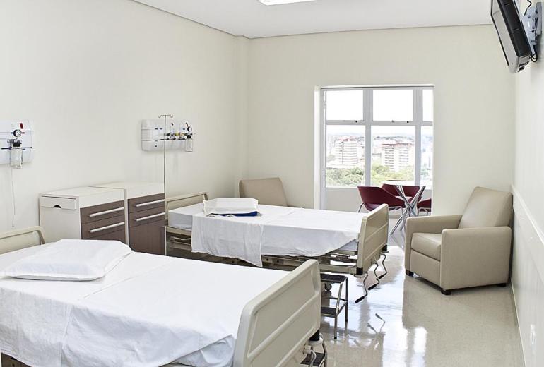Quarto para Pacientes fonte Banco de Imagens HB