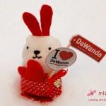 Little Friend für DaWanda: Der Fan-Hase