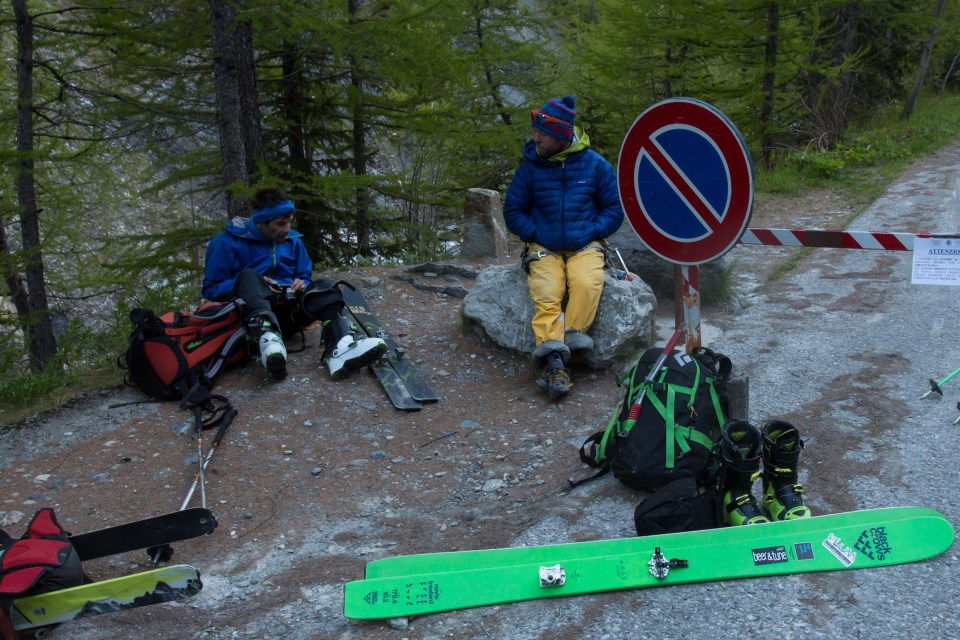 skis model : navis freebird Guilhem and Jesper at the roadhead after a 15 hour day. Photo: Ross Hewitt