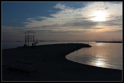 Mirno jesenje predvečerje uz more