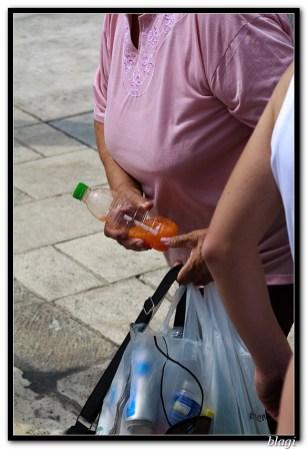 Povećana gužva = više posla za skupljače boca
