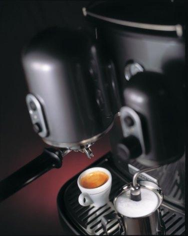 5KES100_ambiance_kitchenaid-artisan-espressomaschine
