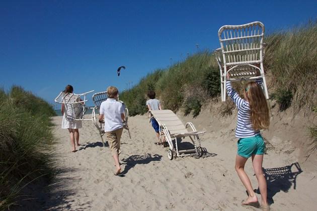 vincent-gartenmoebel-geflecht-kids_naar_het_strand