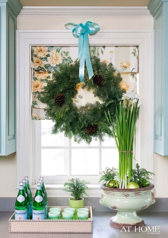 holiday window decor- wreath and printed roman shades