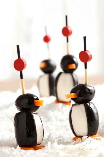 Olive Penguin Party Poppers