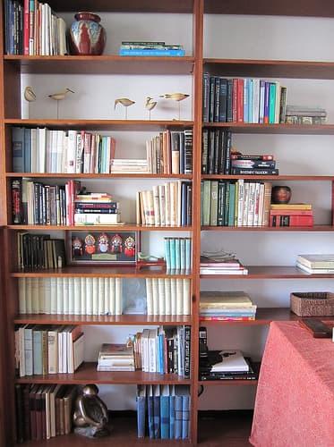 Alternate Stacking on Bookshelf