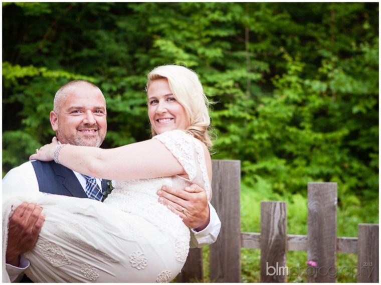 63_Mat_&_Lisa_Backyard_Wedding