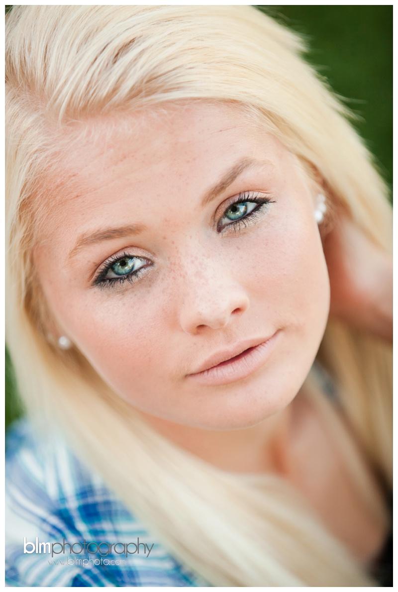 Corrina-Oakley_Senior-Photos_092315-4030.jpg