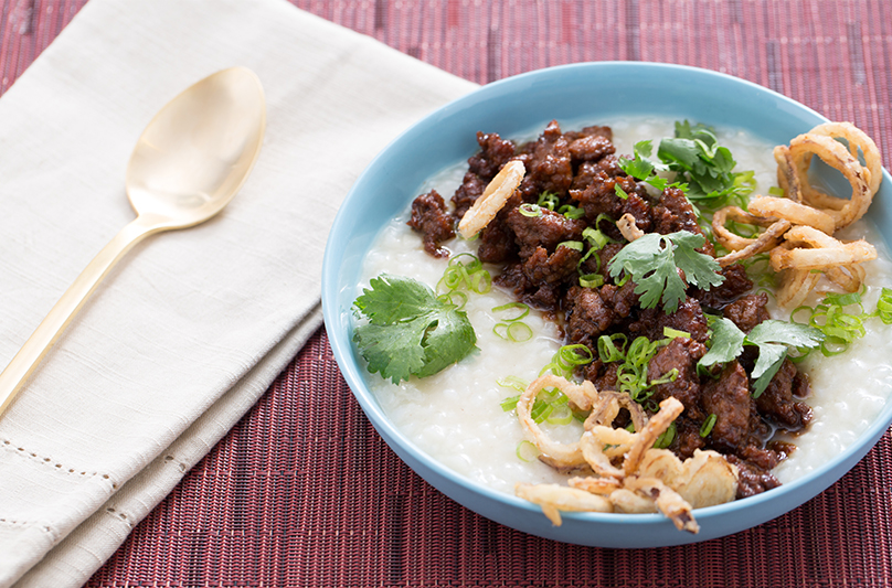 Fans of Top Chef can now cook meals they see on TV at home. You can make this Caramelized Pork Congee with Crispy Shallots in your own kitchen, thanks to Blue Apron.