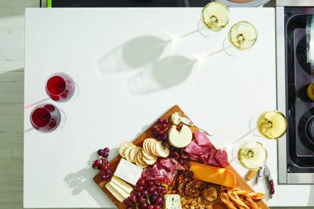 Spread_September-Wine-Booklet_WINE_5080_CMYK