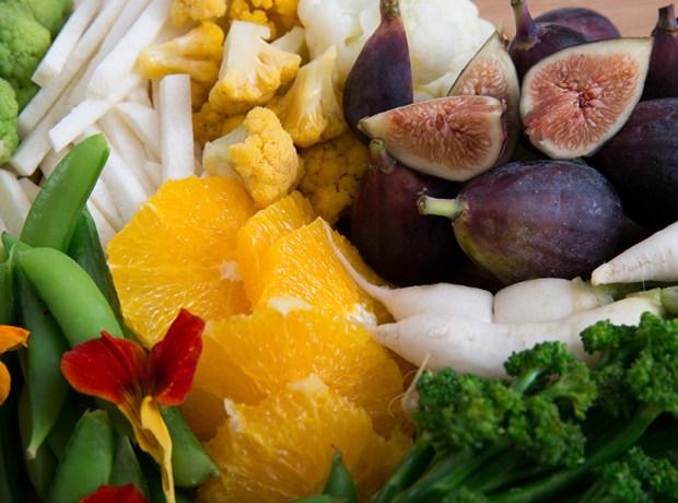 crudite platter with fruit and vegetables