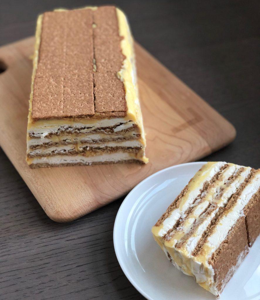 lemon curd icebox cake slice