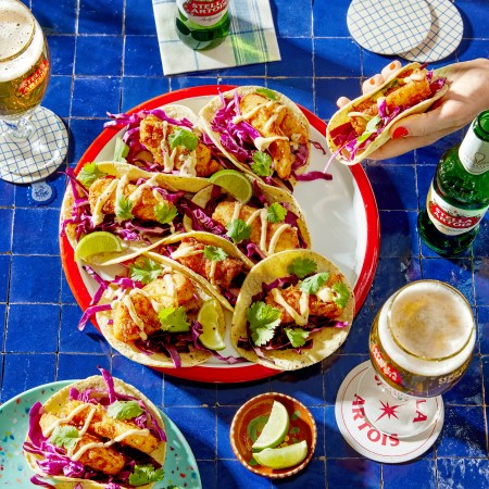 Beer-Battered-Fish-Tacos_Stella_Social_1307