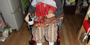 保険適用特注車椅子が体に合わず