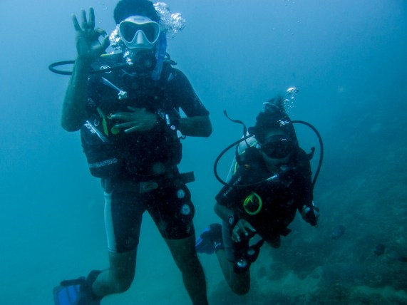 Jemima and Amos, the Dive and Science Assistants | Photo: Jen Craighill